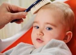у ребенка выпадают волосы что делать