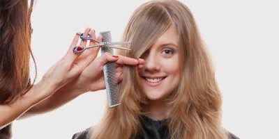 Девушка в парикмахерской