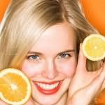 Лимон может устранить зеленоватый оттенок волос