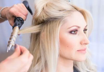 Создание голливудских локонов на ровных волосах