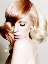 Креативная женская стрижка с колорированием и укладкой для густых длинных волос
