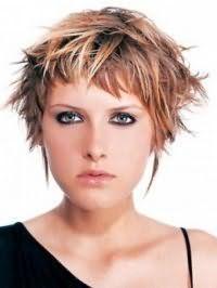 Повседневная укладка стрижки каскад для средних волос с мелированием
