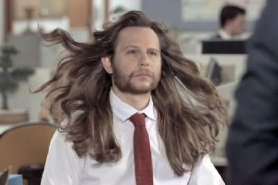 Предположим, такая длина волос многим мужчинам и не понравится, но сохранить прическу поможет грамотный уход за ней – дерзайте!