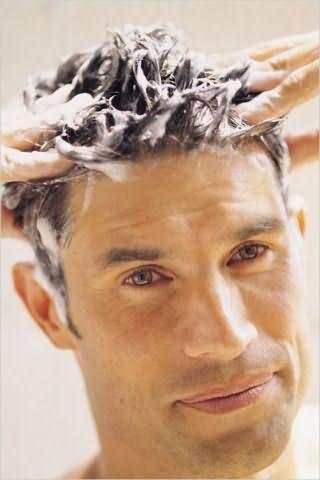 Частое мытье волос может спровоцировать их выпадение