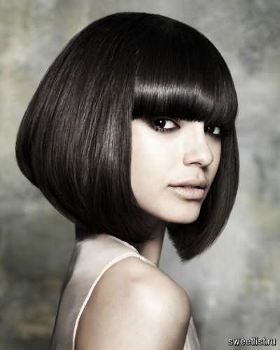 прически для средней длины волос фото