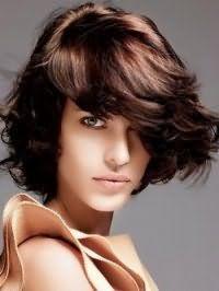 Красивая рваная стрижка для брюнетки с длинными волосами