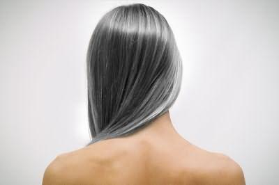 Этот фактор негативно сказывается на красоте девушек, выход - восстановление цвета волос от седины