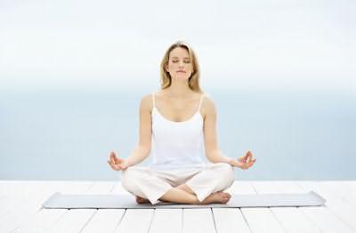 Йога – отличное средство от избыточных стрессов