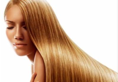 Кератиновое лечение выпрямляет и восстанавливает волосы.