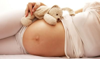 Если вы беременны или кормите грудью, от химической завивки лучше отказаться