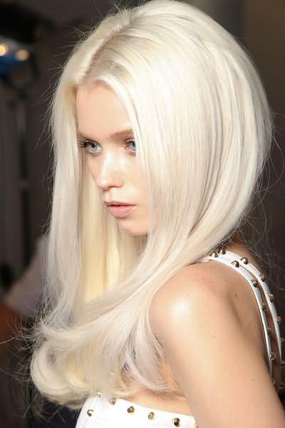 Фото: к идеально белому цвету стремятся все блондинки